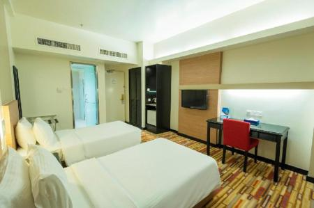 Superior Twin - Bed Harbour View Hotel