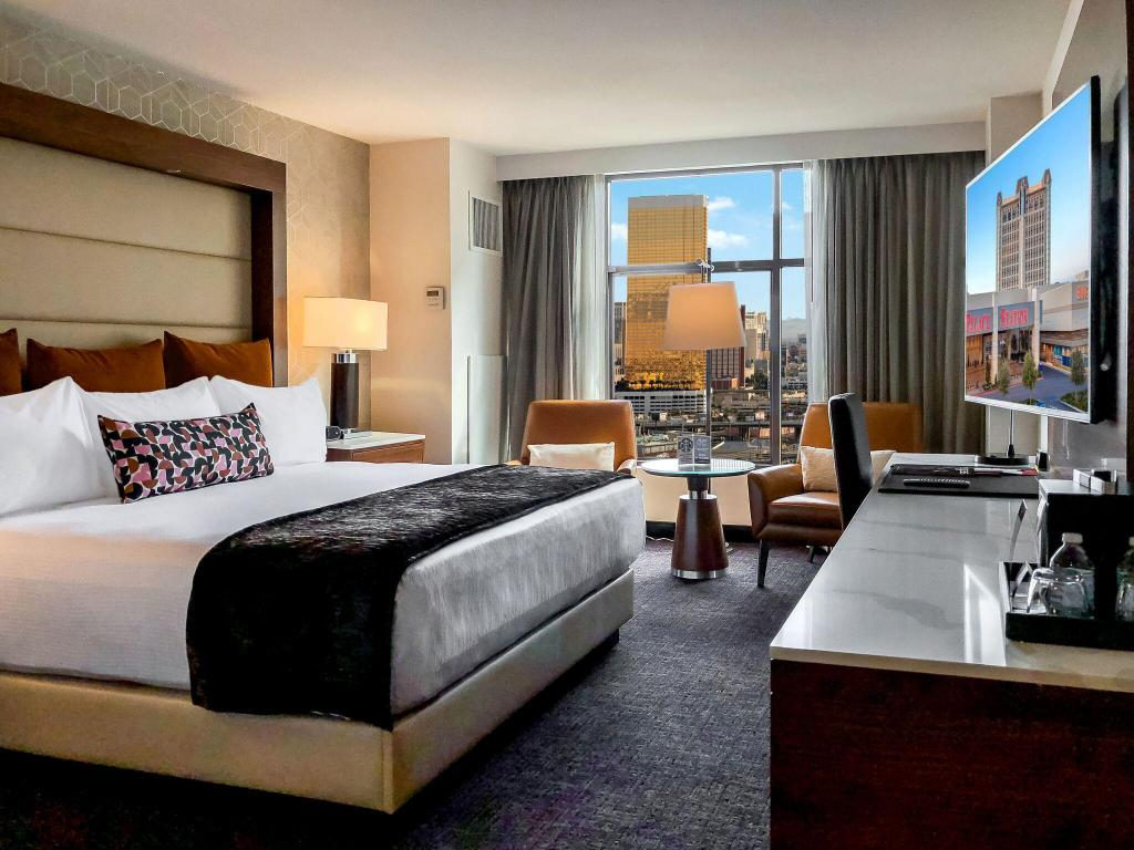 Premier Room with King Bed - Newly Renovated Palace Station Hotel and Casino