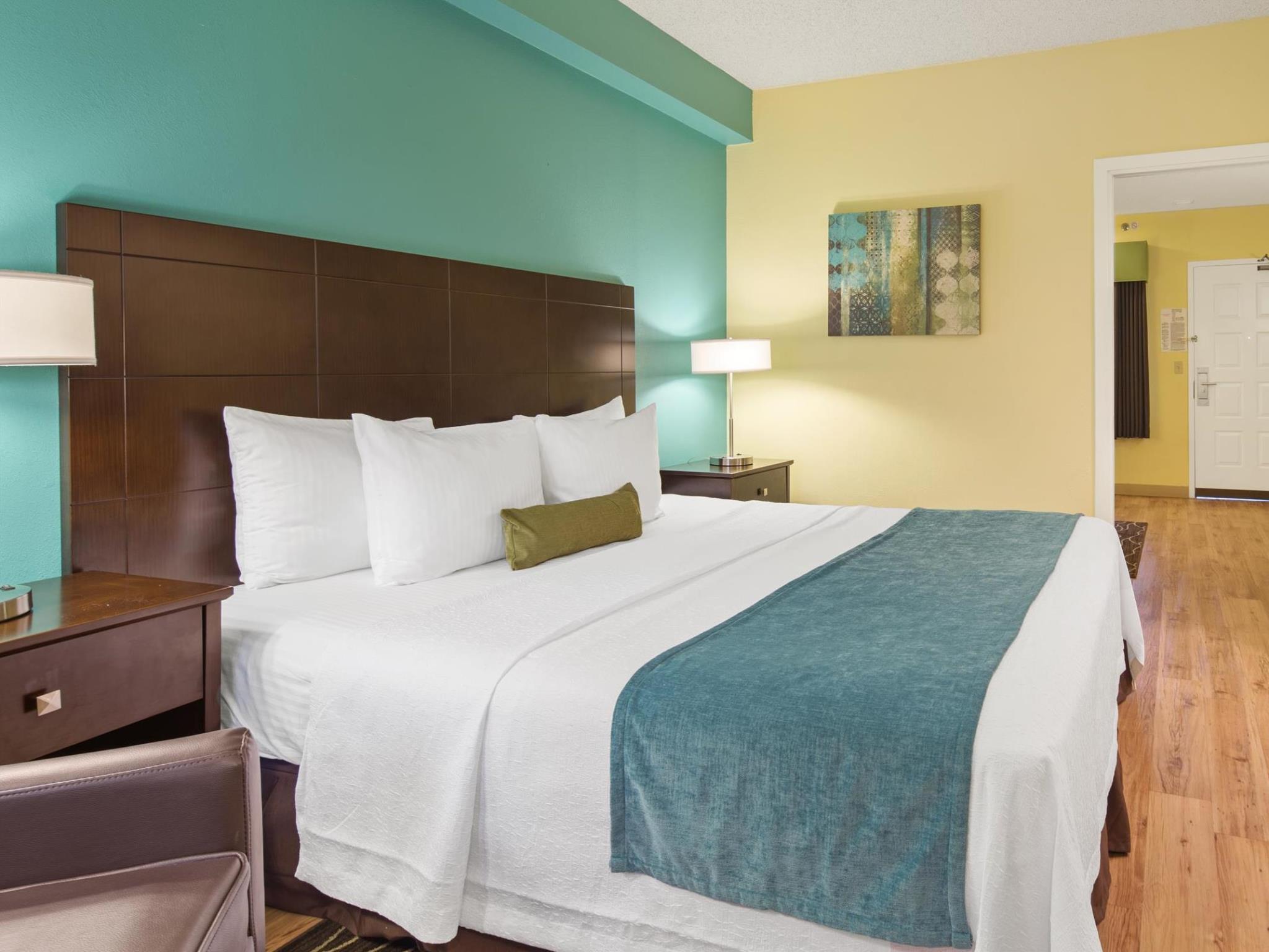 best western plus deerfield beach hotel and suites in. Black Bedroom Furniture Sets. Home Design Ideas