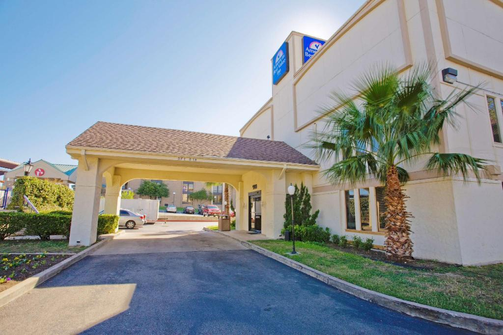 Americas Best Value Inn Austin University