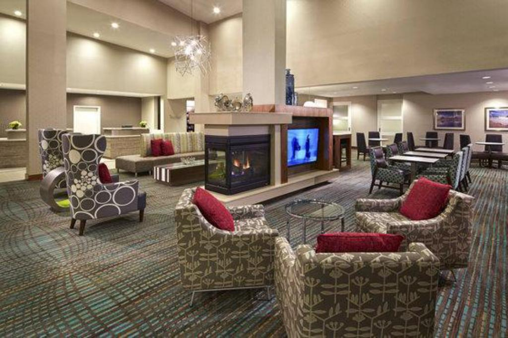 Lobby Holiday Inn Diamond Bar