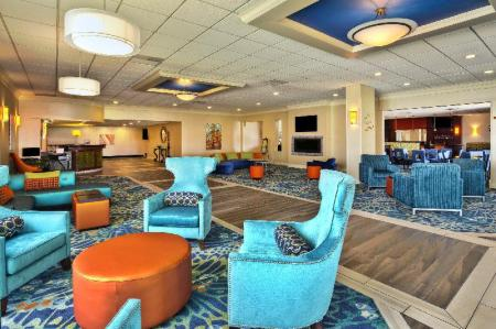 Лобби Holiday Inn Akron-West