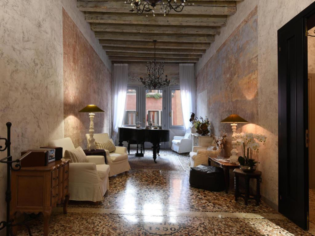 Negozi Biancheria Casa Mestre casa martini, venezia   da 37 €   offerte agoda