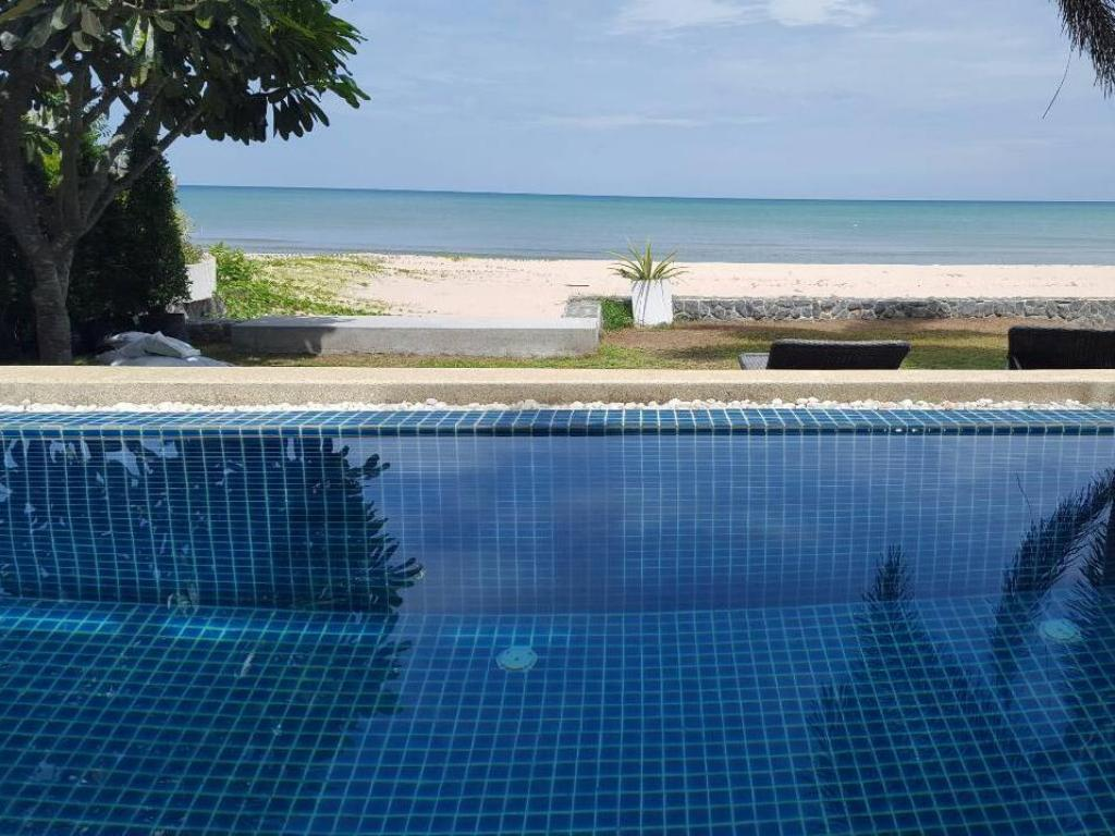 プール The Hideaway Beach Front Pool Holiday Home