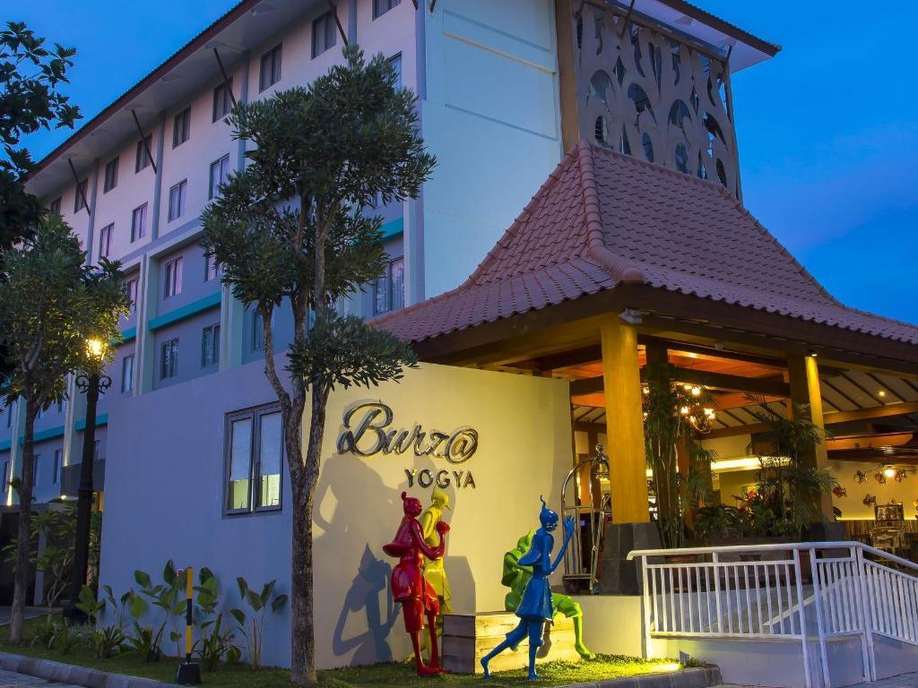 Best Price On Burza Hotel Yogyakarta In Yogyakarta Reviews