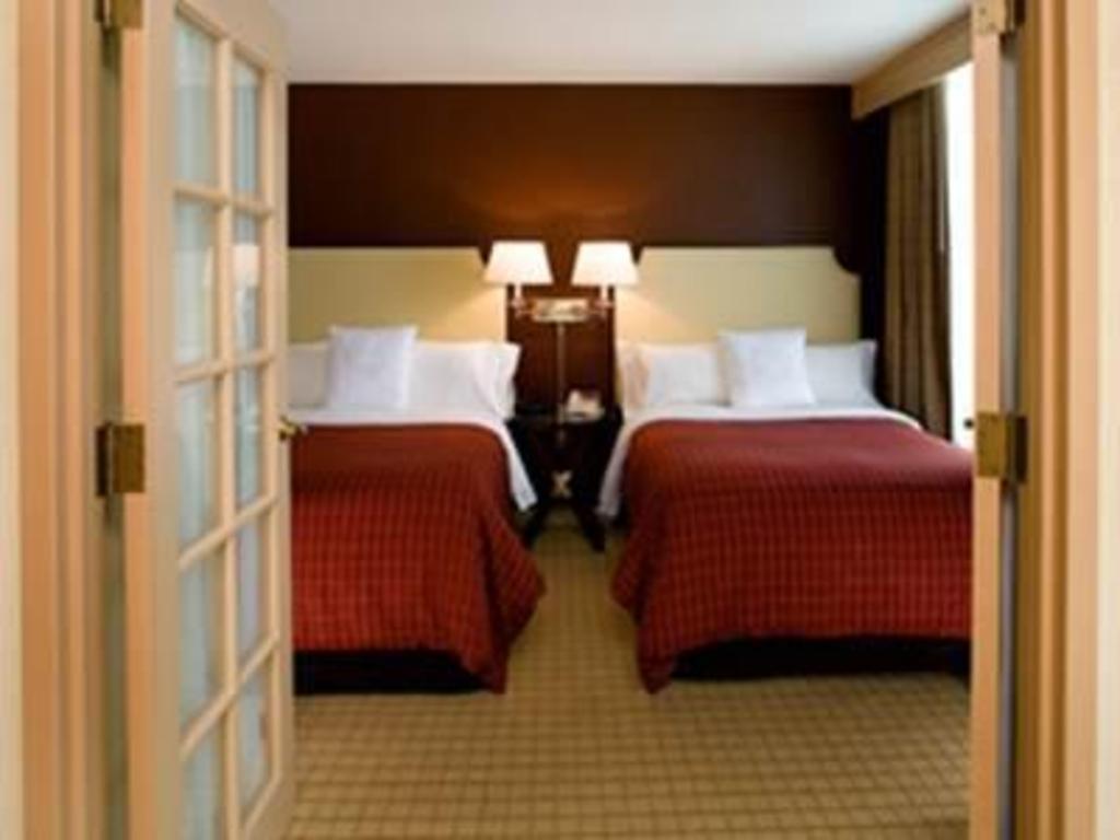 Sheraton Suites Chicago Elk Grove in Chicago (IL) - Room Deals ...