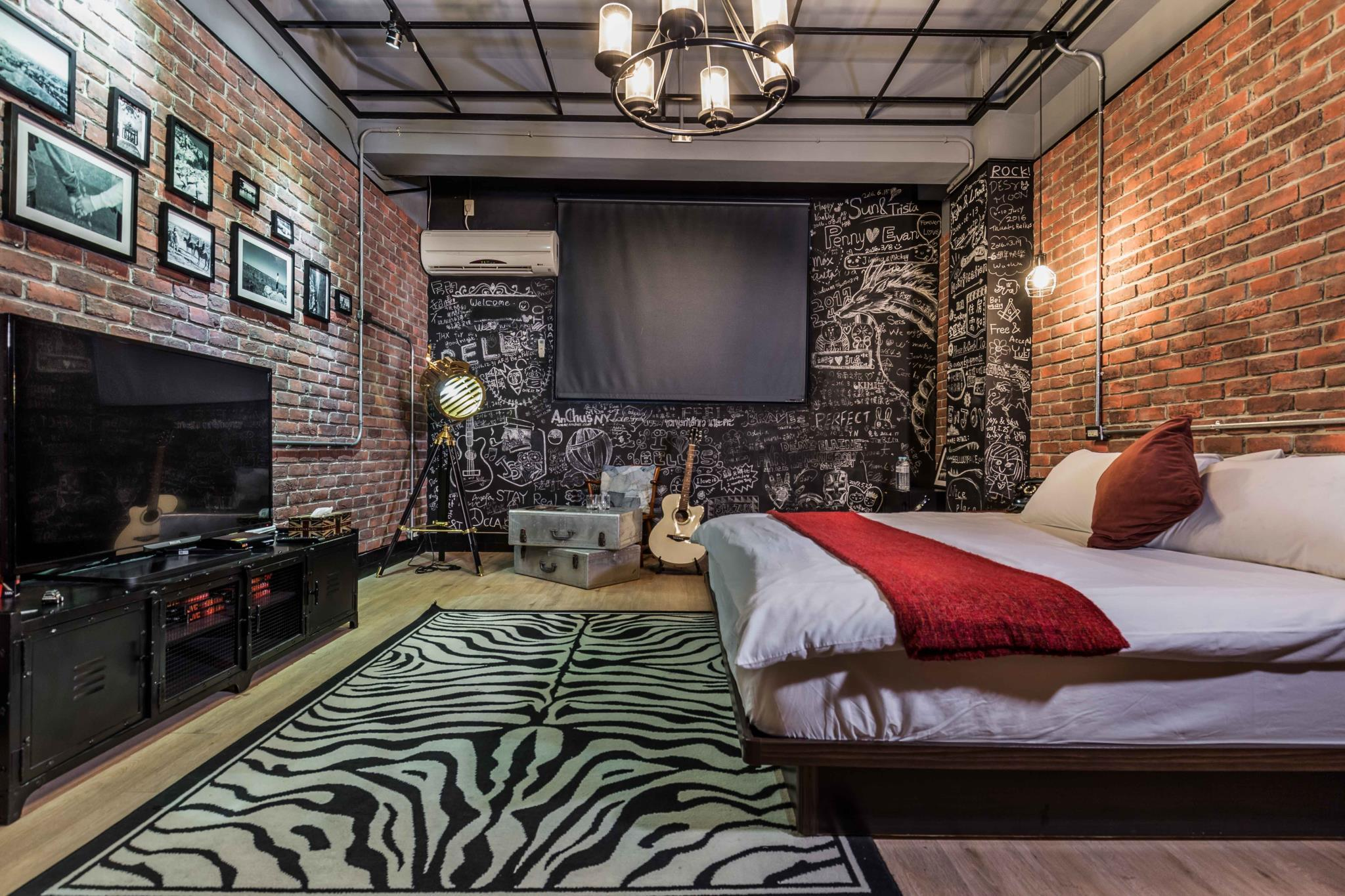 Loft style - Picture of Bellus Inn, North District
