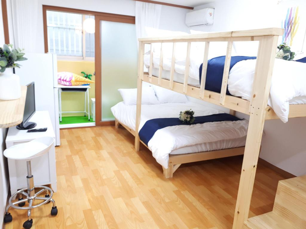 2 Double Bed Room - Guestroom Ewha Guest House Hongdae