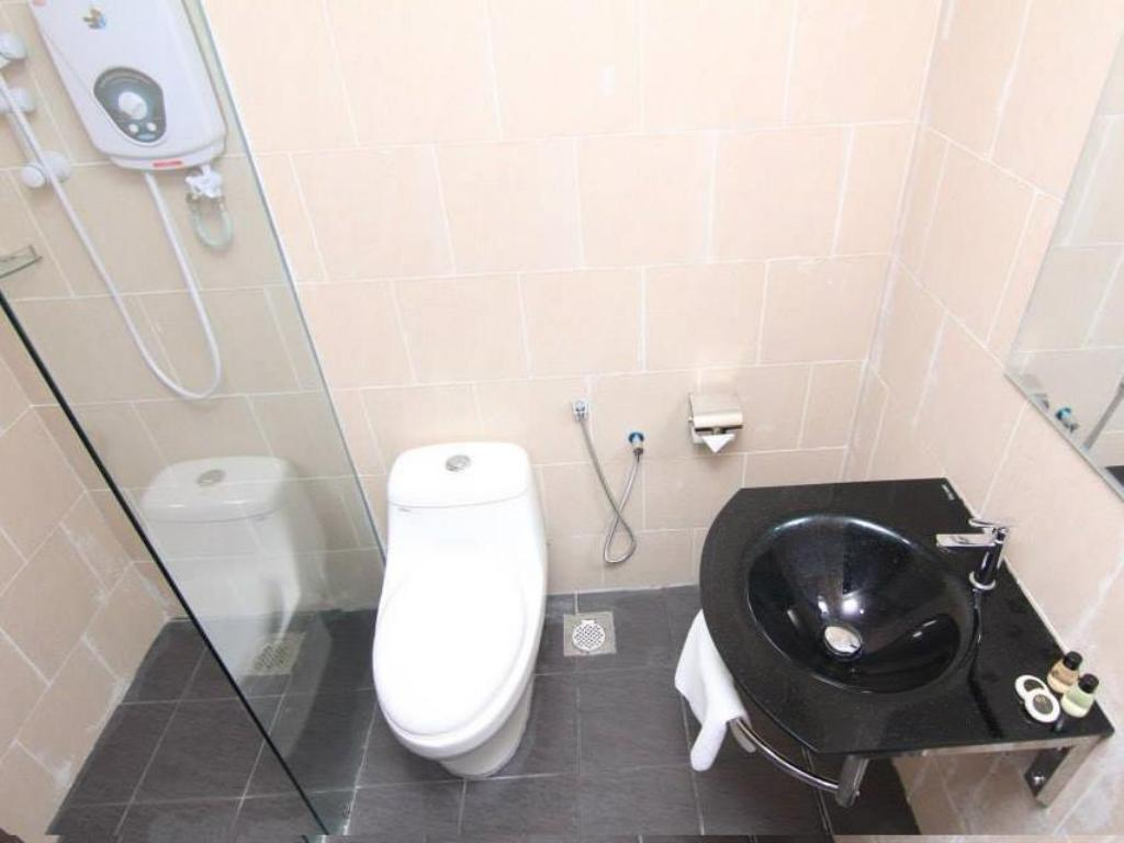 Bathroom Summit Signature Hotel Batu Pahat