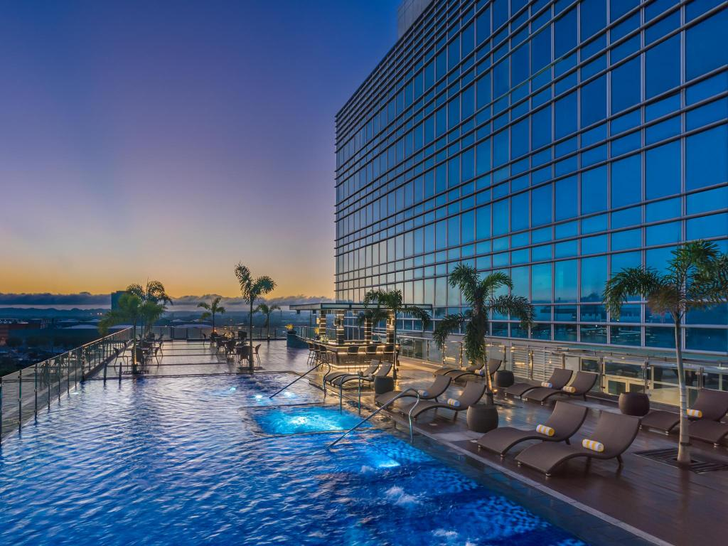 Best price on richmonde hotel iloilo in iloilo reviews for Cost of swimming pool construction in philippines