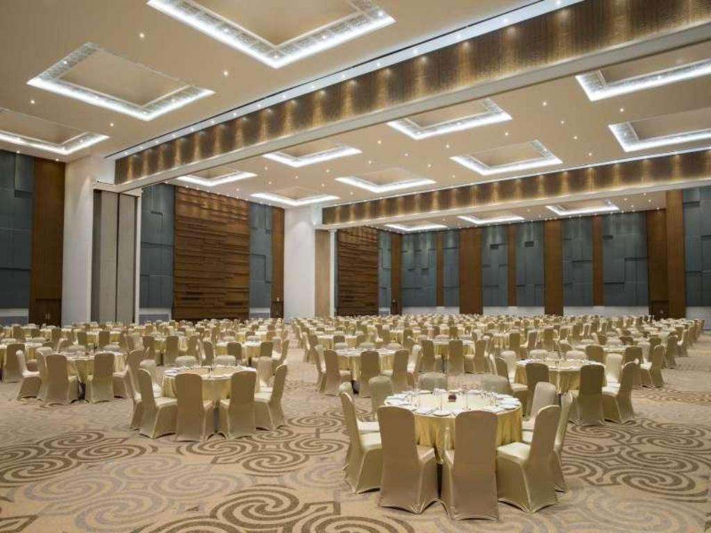Interior view Four Points by Sheraton Makassar