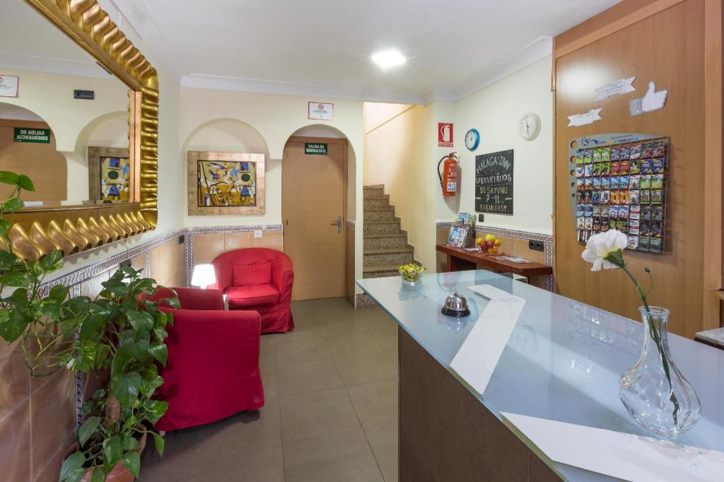 Best Price On Hostel Malaga Inn In Torremolinos   Reviews