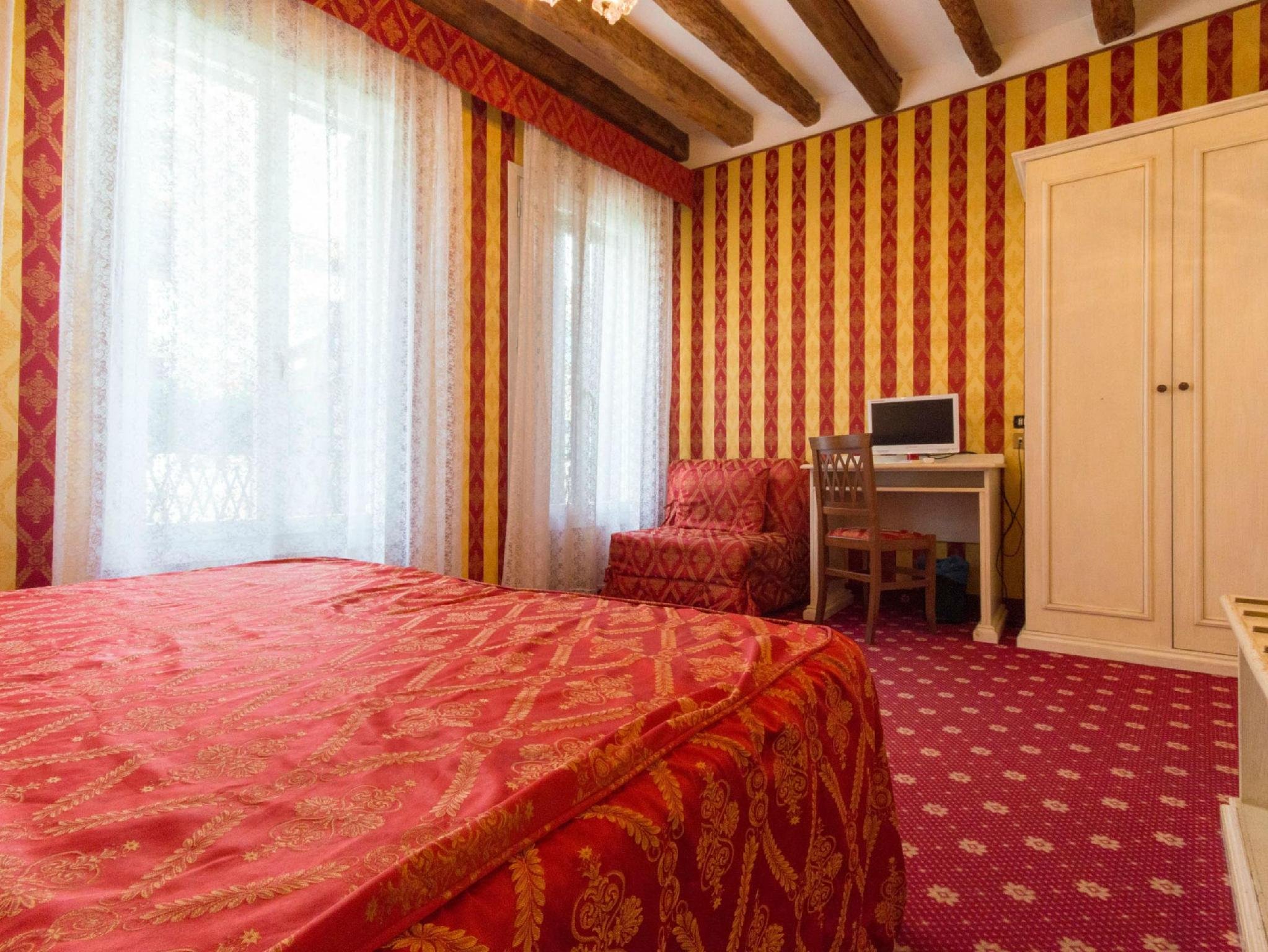 Hotel Messner In Venice Room Deals Photos Amp Reviews