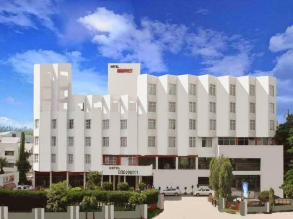 More about Amarpreet Hotel