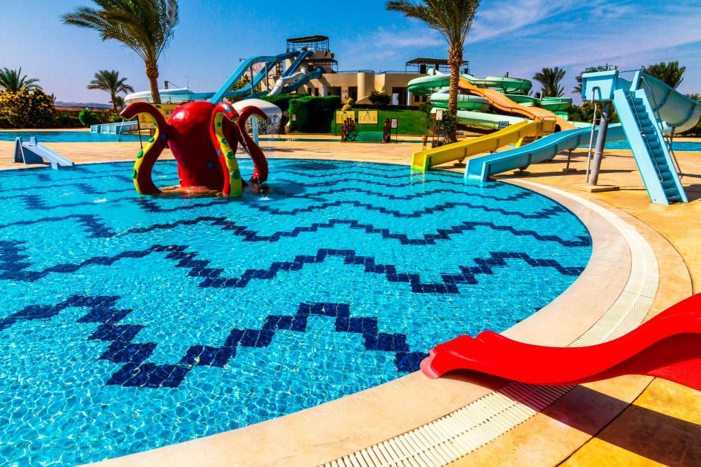 Swimming pool [outdoor] Jaz Dar El Madina Hotel