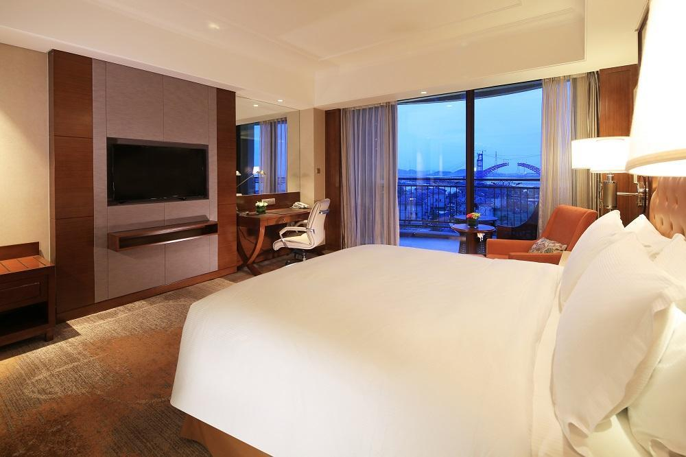 King Executive Room Balcony