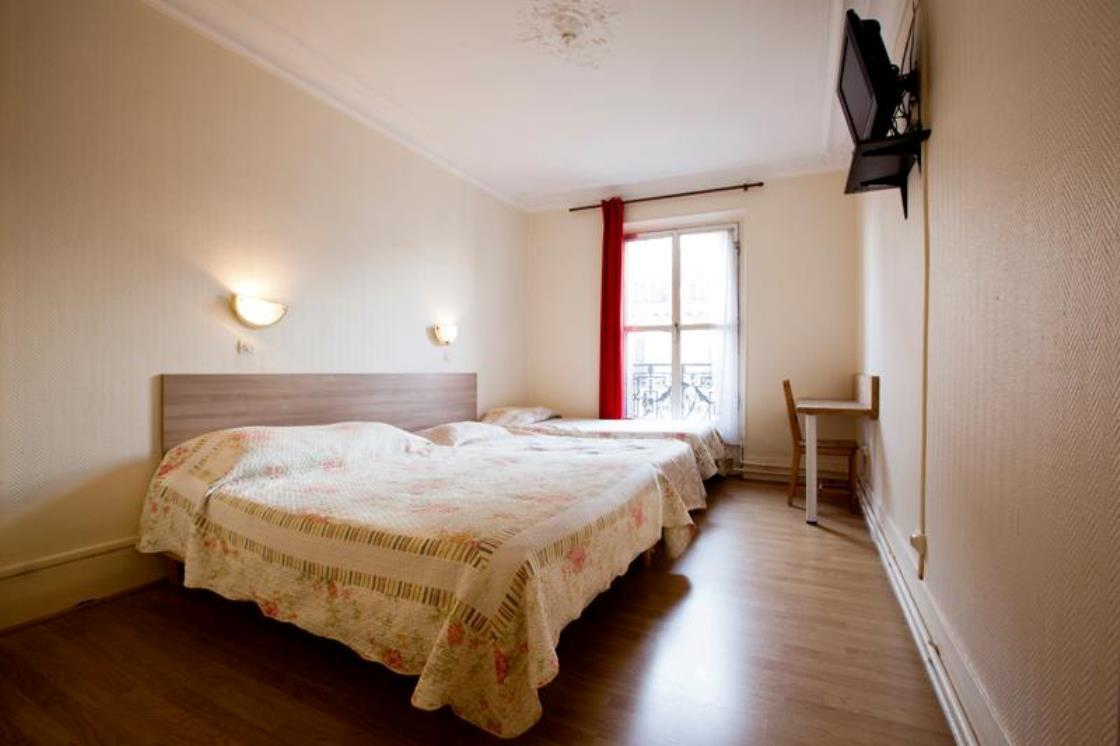 Standard Double Room with Shared Facilities