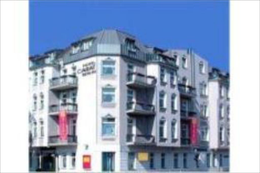 Best Price on Hotel Larat in Berlin + Reviews