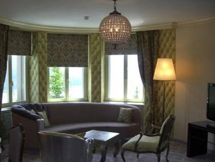Deluxe Suite mit Flussblick (Deluxe Suite with Lake View)