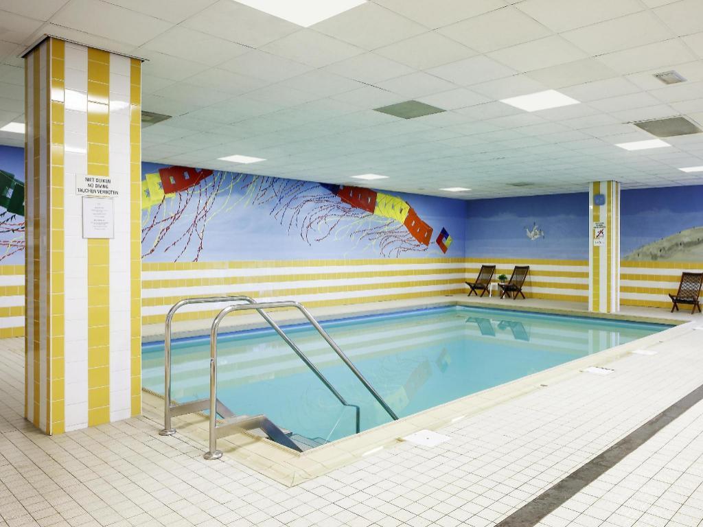 Pool in den haag - 2 5