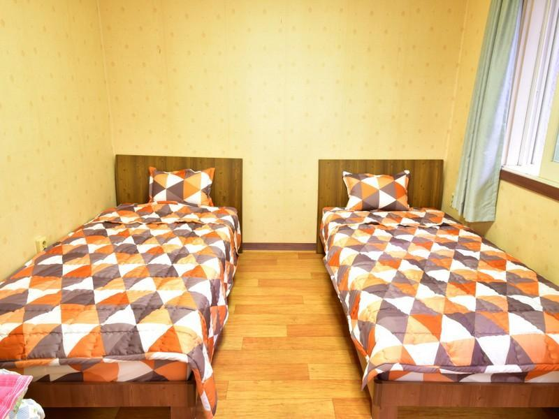 1 person i 2-sengs Sovesal - Kun kvinder (1 Person in 2-Bed Dormitory - Female Only)