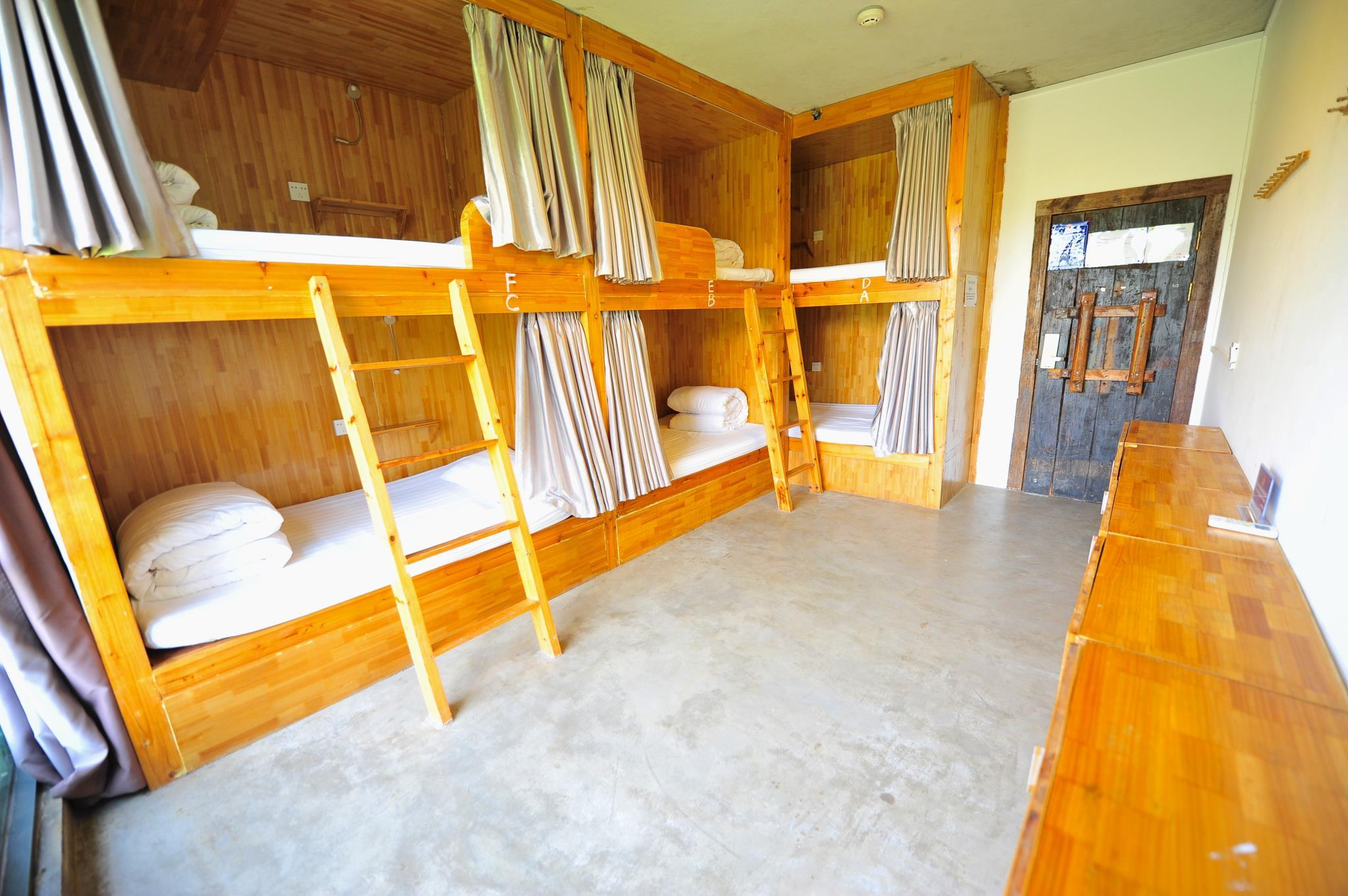 1個床位(6人女生宿舍) (6-Bed Dormitory -- Female Only)