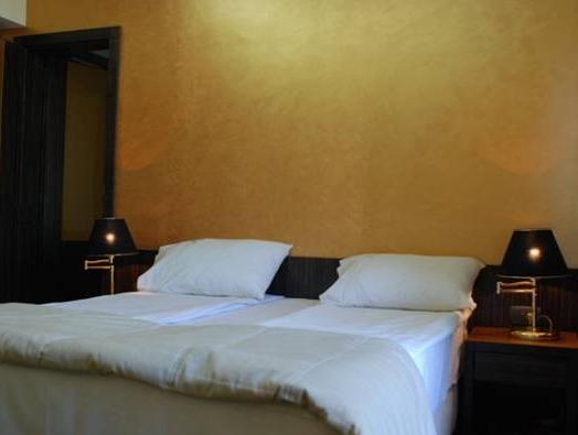 Deluxe Twin Room with Free Airport Shuttle