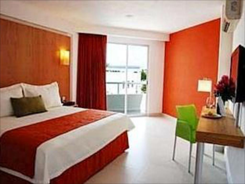 Standard Hotel Ramada Cancun City