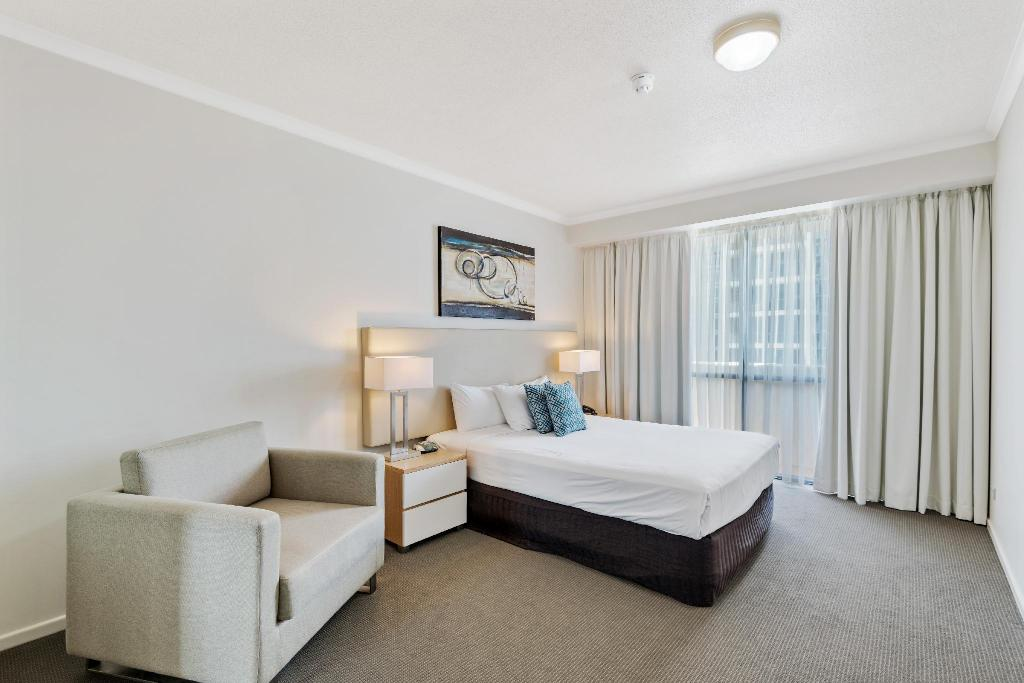 1 Bedroom Deluxe - Bed Central Dockside Apartments