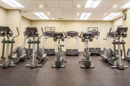 Fitness center Holiday Inn Toronto International Airport