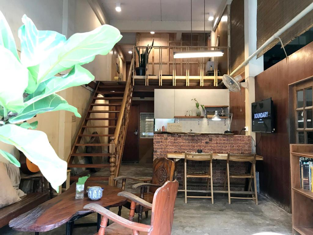 Soulmate Private Room By Boundary Hostel Cafe Entire Apartment Suratthani Deals Photos Reviews