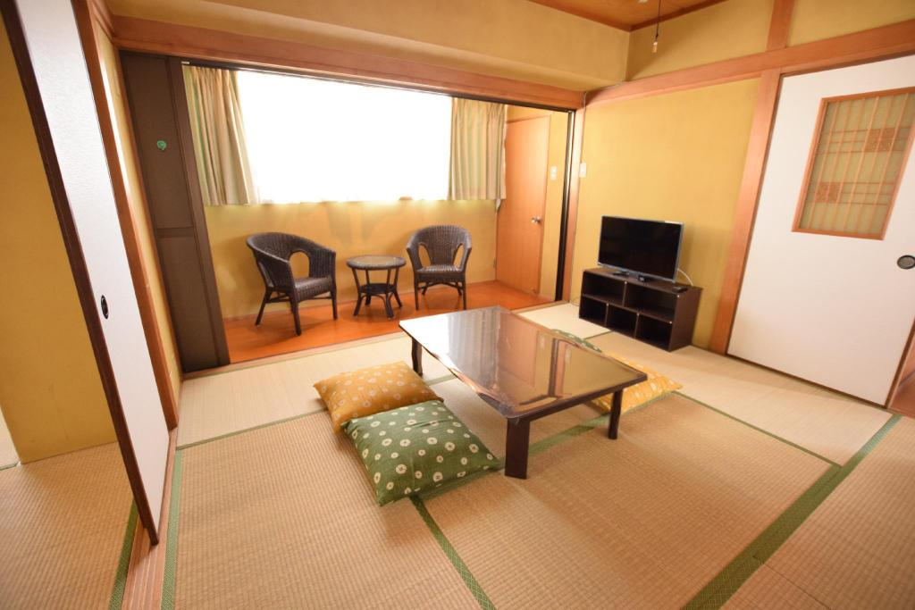 Amazing 34Spacious Japanese Style Room Apartment Osaka Deals Interior Design Ideas Philsoteloinfo