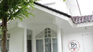 B3 - Bromo Bed & Breakfast