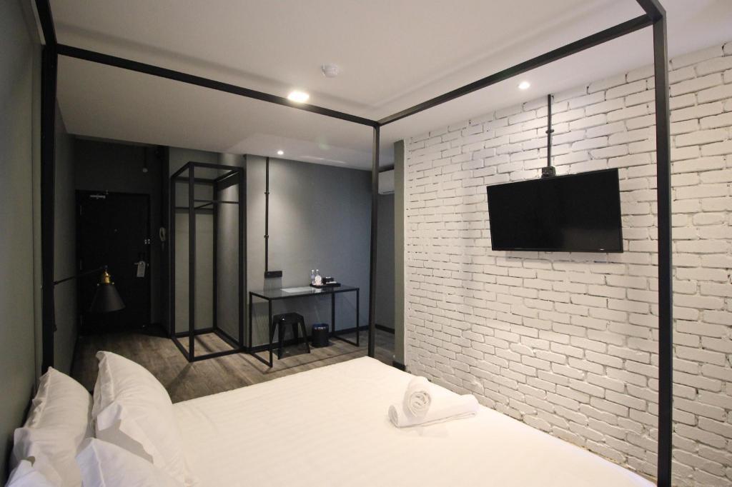 27m2 studio appartement met 1 privé badkamer in seri manjung 68
