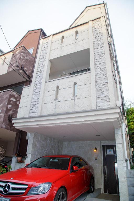 home  - Exterior view 15 min walk to JR Shinjuku, 3BR House w/Parking