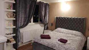 Lucurious double room in shared flat
