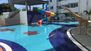 8-9 pax Homelite resort - Near Airport