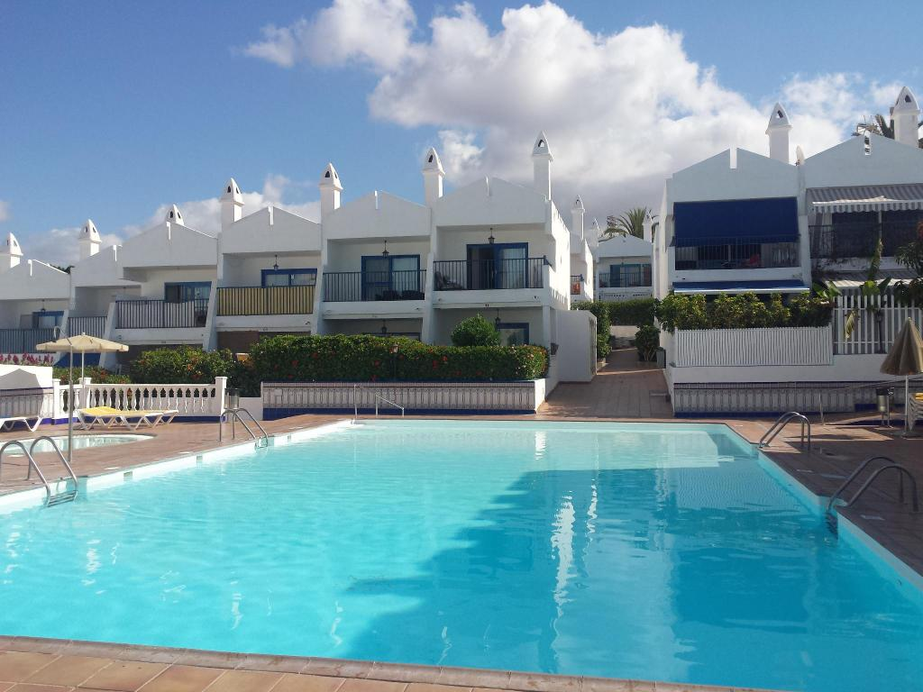 Best Price On Mari House Playa Del Ingles In Gran Canaria