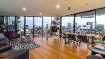 Luxury 3Bed-2Bath, Free Parking and City Views