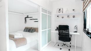Stylish BGC Studio w/ Netflix & WiFi (Icon Plaza)
