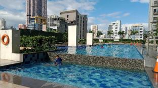 OYO Amaia Skies Avenida Staycation for Group