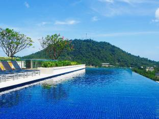 Duplex Height Phuket & Rooftop Swimming Pool