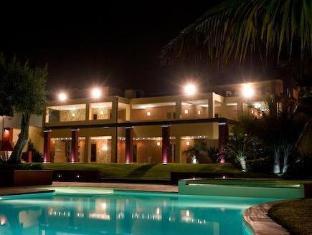 /cs-cz/villa-morgana-resort-and-spa/hotel/messina-it.html?asq=jGXBHFvRg5Z51Emf%2fbXG4w%3d%3d