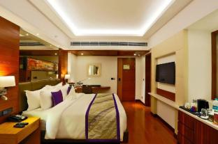 /ar-ae/hotel-madin/hotel/varanasi-in.html?asq=jGXBHFvRg5Z51Emf%2fbXG4w%3d%3d