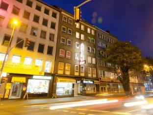 /cs-cz/novum-hotel-plaza-dusseldorf-zentrum/hotel/dusseldorf-de.html?asq=jGXBHFvRg5Z51Emf%2fbXG4w%3d%3d