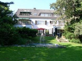 /cs-cz/villa-im-park/hotel/dusseldorf-de.html?asq=jGXBHFvRg5Z51Emf%2fbXG4w%3d%3d