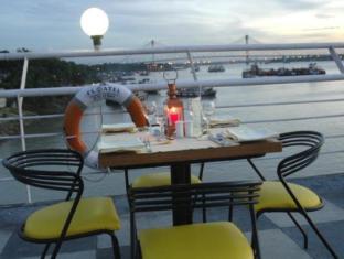 /bg-bg/floatel-an-eco-friendly-hotel/hotel/kolkata-in.html?asq=jGXBHFvRg5Z51Emf%2fbXG4w%3d%3d
