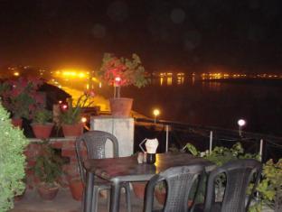 /ar-ae/rahul-guest-house/hotel/varanasi-in.html?asq=jGXBHFvRg5Z51Emf%2fbXG4w%3d%3d