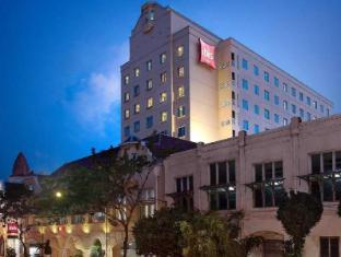 ホテル ラジャワリ