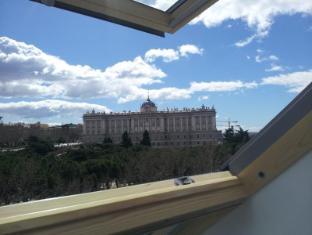 /bg-bg/woo-travelling-plaza-de-oriente-homtel/hotel/madrid-es.html?asq=jGXBHFvRg5Z51Emf%2fbXG4w%3d%3d